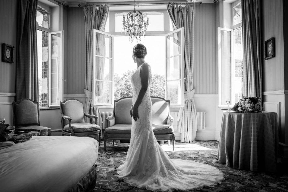 préparatifs de la mariée robe mariage lille au chateau de tilques